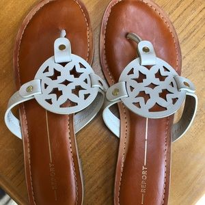 Report sandals size 7